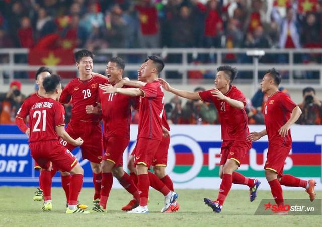 Nguyễn Anh Đức và sự nghiệp như phim của tỷ phú đi đá bóng - Ảnh 1.