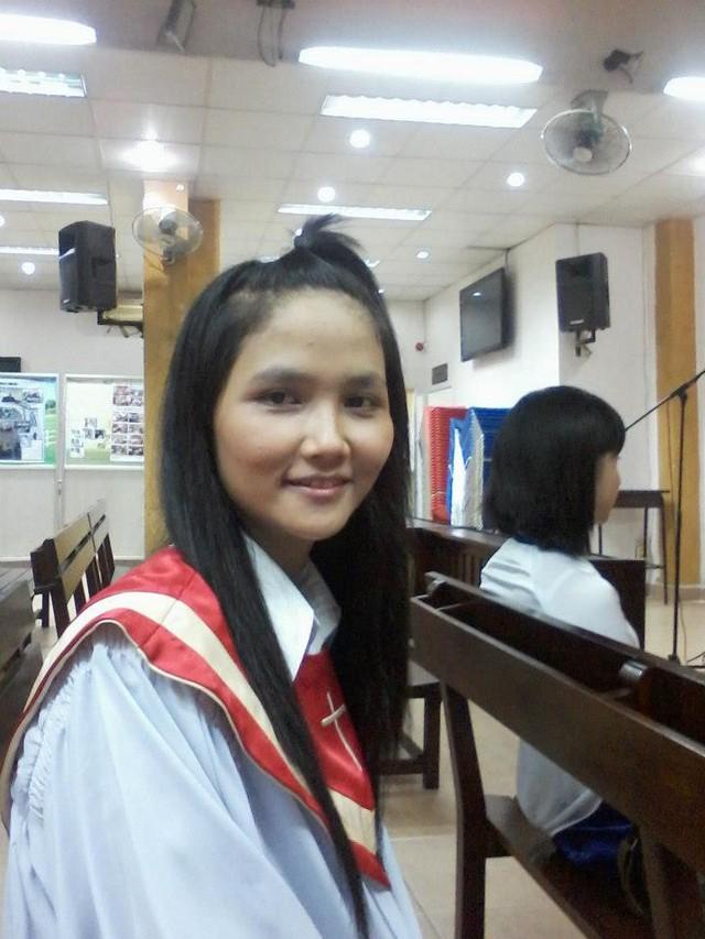 Thời sinh viên của H'Hen Niê: Học 2 trường ĐH, từng đi rửa bát, phát tờ rơi, sống trong phòng trọ chật chội 2.5triệu/tháng - Ảnh 3.
