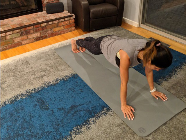 Nữ Giám đốc Google dậy từ 5:30 sáng để tập yoga, hôm nào cũng dự 12 cuộc họp và kết thúc ngày làm việc bằng một ly rượu - Ảnh 2.