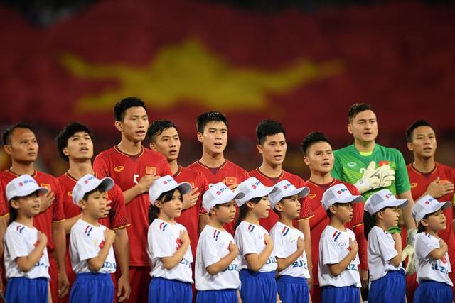 Philippines 1-2 Việt Nam: Cửa chung kết AFF Cup 2018 rộng mở với thầy trò HLV Park Hang-seo - Ảnh 1.