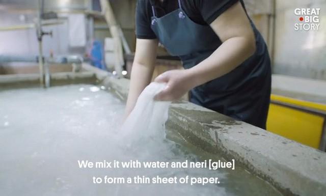 Kỳ công và tỉ mỉ, đây là cách người Nhật tạo ra loại giấy mỏng nhất thế giới - Ảnh 5.