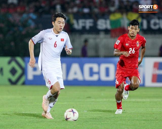 Những nghi thức cầu may của đội tuyển Việt Nam tại AFF Cup 2018 - Ảnh 8.