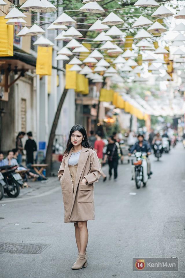 Sau con đường ô lãng mạn, Hà Nội xuất hiện Hội An thu nhỏ với 1.000 chiếc nón lá trên cao - Ảnh 7.