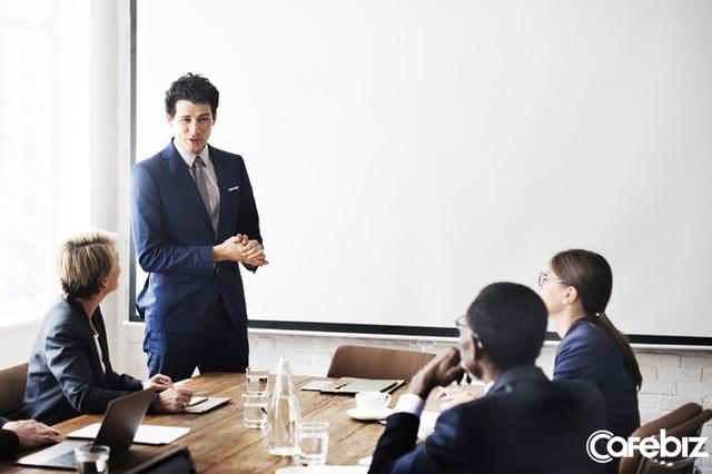 Làm sếp, xin đừng cau có: Muốn nhân viên xuất chúng thì lãnh đạo phải gương mẫu, khi đi làm phải đẹp từ ngoài vào trong - Ảnh 2.