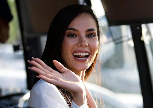 Vừa đăng quang, Hoa hậu Hoàn vũ 2018 đã được đại gia Philippines đón về nước bằng phi cơ riêng với dịch vụ siêu sang - Ảnh 5.