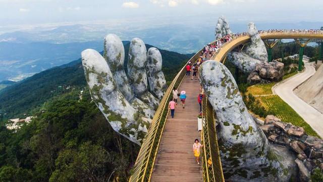 Chiêm ngưỡng loạt ảnh du lịch đẹp nhất thế giới năm 2018, Cầu Vàng tại Đà Nẵng cũng góp mặt - Ảnh 3.