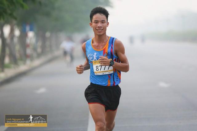Nông Văn Chuyền: Từ nhân viên massage đến VĐV nghiệp dư kiêm bán đồ chạy bộ nổi tiếng - Ảnh 9.