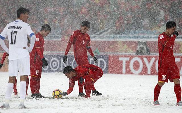 7 khoảnh khắc không tưởng của Quang Hải trên con đường giành Quả bóng vàng - Ảnh 2.