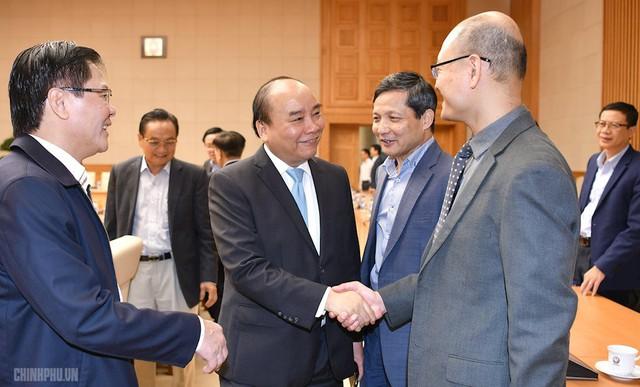 """Thủ tướng Nguyễn Xuân Phúc: """"Không để kéo dài tình trạng người Việt ra nước ngoài khởi nghiệp vì thiếu môi trường hỗ trợ sản phẩm sáng tạo"""" - Ảnh 1."""