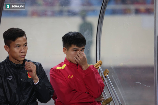 HLV Park Hang-seo chia tay 4 học trò trước ngày lên đường sang Qatar - Ảnh 1.