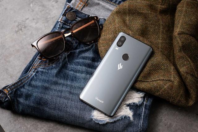 [Hồ sơ] Thị trường smartphone Việt 2018: Bphone 3 tái xuất ngoạn mục, Vingroup lấn sân, nhưng các đại gia ngoại mới là đội bao sân và năm sau càng bành trướng hơn năm trước - Ảnh 8.