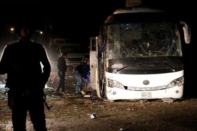 Đoàn du khách Việt Nam bị đánh bom ở Ai Cập: Gặp nạn ngay trước lúc sắp về nước - Ảnh 1.