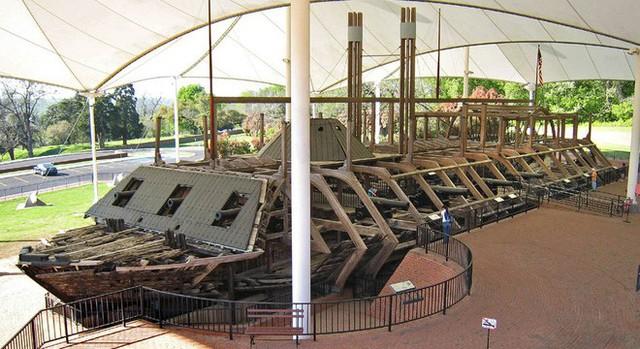 Tàu chiến Mỹ đầu tiên bị đánh đắm bởi một chiếc bình thủy tinh 19 lít - Ảnh 5.
