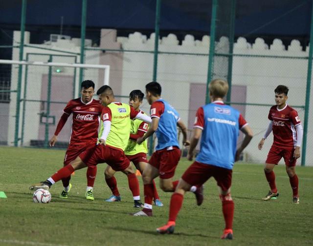 Công Phượng cùng đồng đội cười tươi hết cỡ trong buổi tập đầu trên đất Qatar - Ảnh 8.