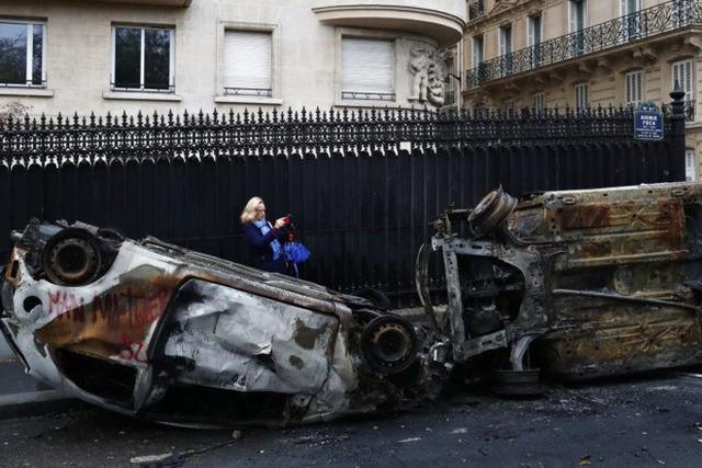 Khải Hoàn Môn huyền thoại chìm trong khói lửa và đổ vỡ sau cuộc biểu tình lớn nhất thập kỷ ở Paris - Ảnh 14.