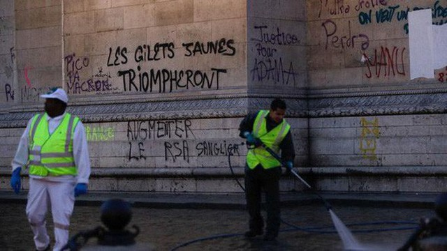 Khải Hoàn Môn huyền thoại chìm trong khói lửa và đổ vỡ sau cuộc biểu tình lớn nhất thập kỷ ở Paris - Ảnh 4.