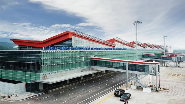 Máy bay chở Thủ tướng đáp xuống sân bay Vân Đồn - Ảnh 12.