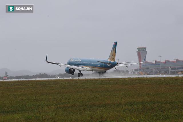 Máy bay chở Thủ tướng đáp xuống sân bay Vân Đồn - Ảnh 5.
