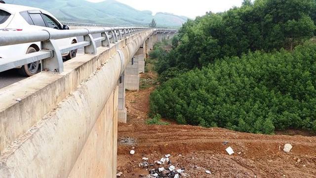 Nhìn gần cao tốc La Sơn - Túy Loan sắp hoàn thiện - Ảnh 5.