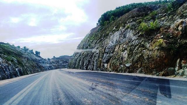 Nhìn gần cao tốc La Sơn - Túy Loan sắp hoàn thiện - Ảnh 6.