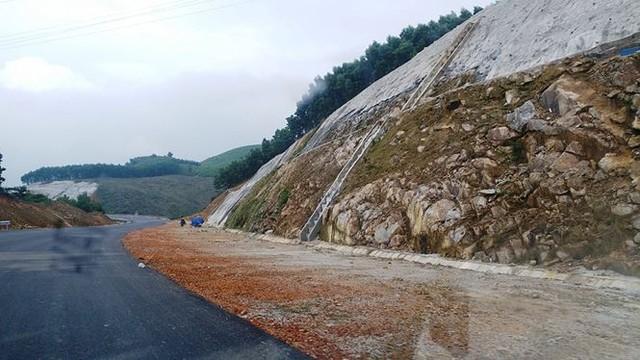Nhìn gần cao tốc La Sơn - Túy Loan sắp hoàn thiện - Ảnh 7.