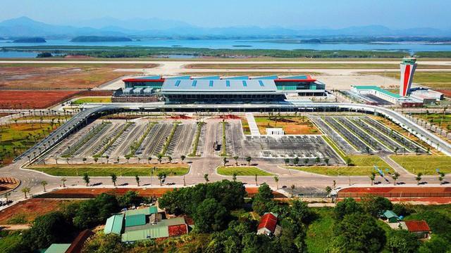 Máy bay chở Thủ tướng đáp xuống sân bay Vân Đồn - Ảnh 9.