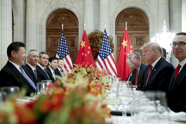 Bầm dập từ thương chiến, kinh tế TQ một đi không trở lại dưới thời nước Mỹ của ông Trump - Ảnh 1.