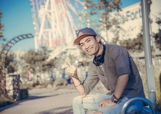 Chàng du học sinh Nhật mang di ảnh bố mẹ đi khắp thế gian: Ba má ơi, mình đi đâu tiếp? - Ảnh 2.