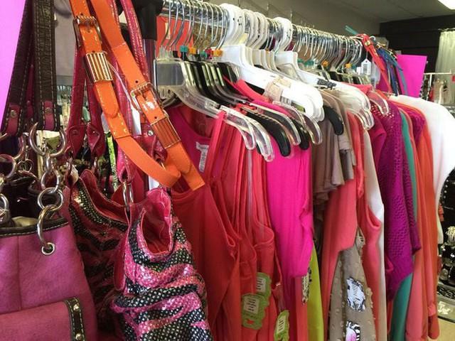 Chủ shop Anh Quốc tuyển trộm chuyên nghiệp: Trả 1,5 triệu đồng cho 1 giờ hack quần áo của chính cửa hàng - Ảnh 2.