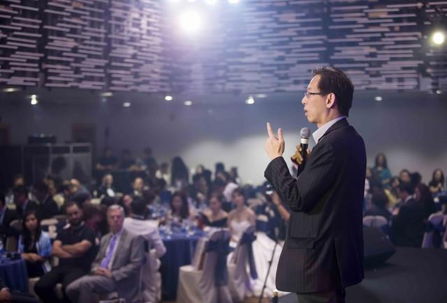 Chuyên gia kinh tế Singapore: Việt Nam là ngôi sao đang lên về đầu tư nước ngoài FDI - Ảnh 1.