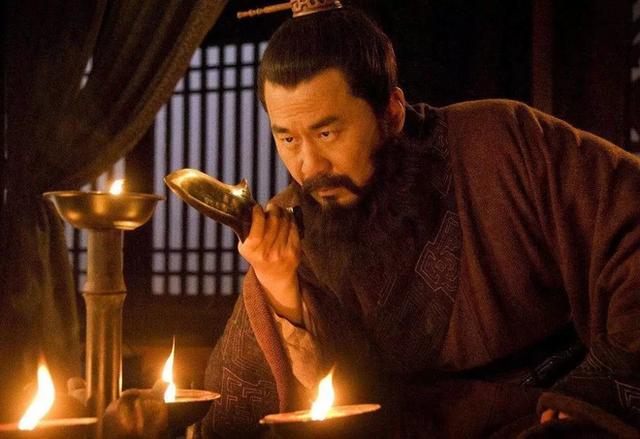 Giữa Tào Tháo, Lưu Bị và Tôn Quyền, nếu chọn, bạn sẽ theo ai? - Ảnh 1.