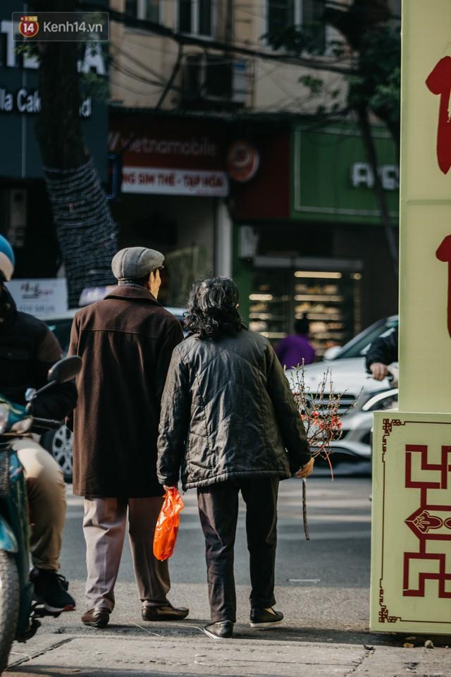 Chùm ảnh: Ghé thăm chợ hoa truyền thống lâu đời nhất Hà Nội - cả năm chỉ họp đúng một phiên duy nhất - Ảnh 20.