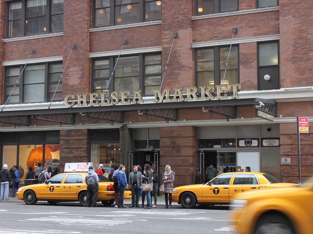 Cùng khám phá khu chợ thực phẩm trong tòa nhà 2 tỷ USD mới được Google mua lại - Ảnh 1.