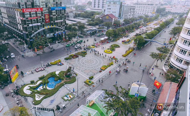 Chùm ảnh: Đường hoa Nguyễn Huệ đang được gấp rút hoàn thành trước ngày khai mạc - Ảnh 2.