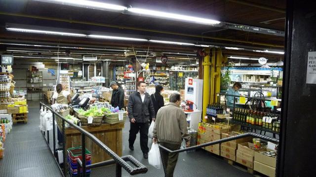 Cùng khám phá khu chợ thực phẩm trong tòa nhà 2 tỷ USD mới được Google mua lại - Ảnh 15.