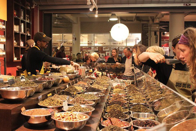 Cùng khám phá khu chợ thực phẩm trong tòa nhà 2 tỷ USD mới được Google mua lại - Ảnh 18.