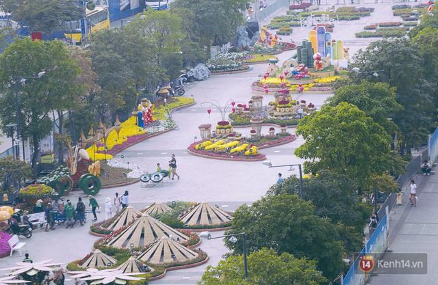 Chùm ảnh: Đường hoa Nguyễn Huệ đang được gấp rút hoàn thành trước ngày khai mạc - Ảnh 5.