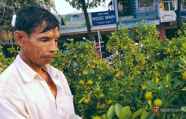 """Người bán hoa Tết nghẹn lòng kể chuyện bị ép giá ngày 30: """"Mong mọi người hãy bỏ tâm lý mua hoa giờ chót - Ảnh 8."""