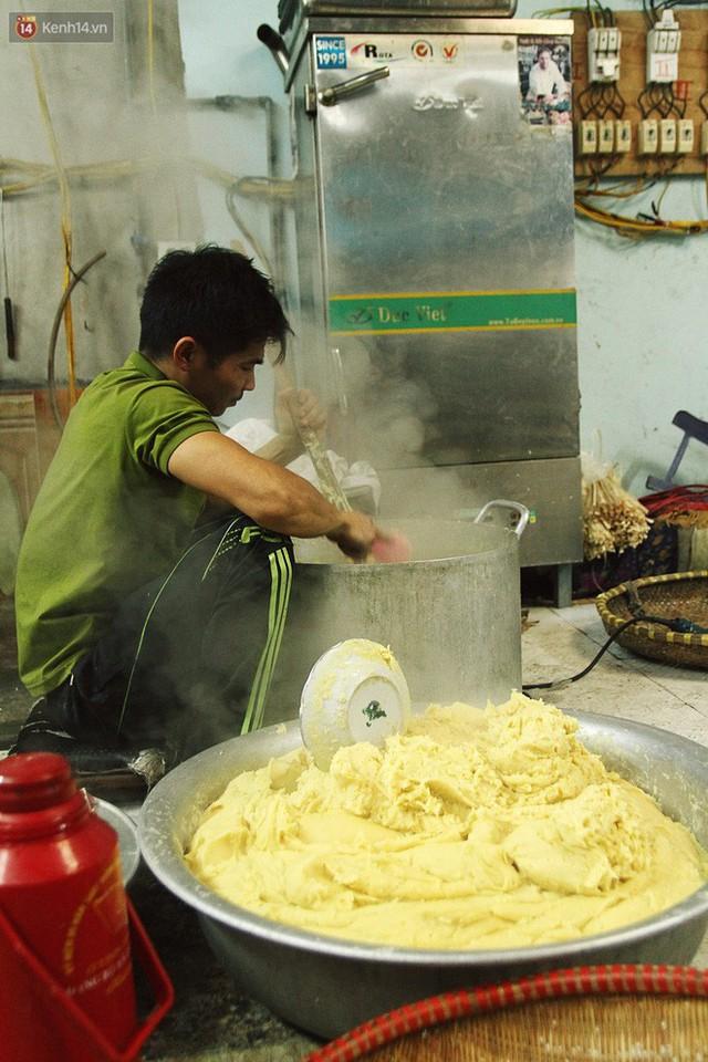 Chùm ảnh: Làng bánh chưng Tranh Khúc tất bật những ngày giáp Tết truyền thống - Ảnh 9.