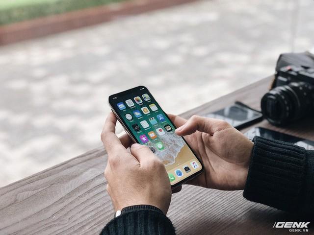 iPhone X: Bỏ lại quá khứ, tiến tới tương lai - Ảnh 2.