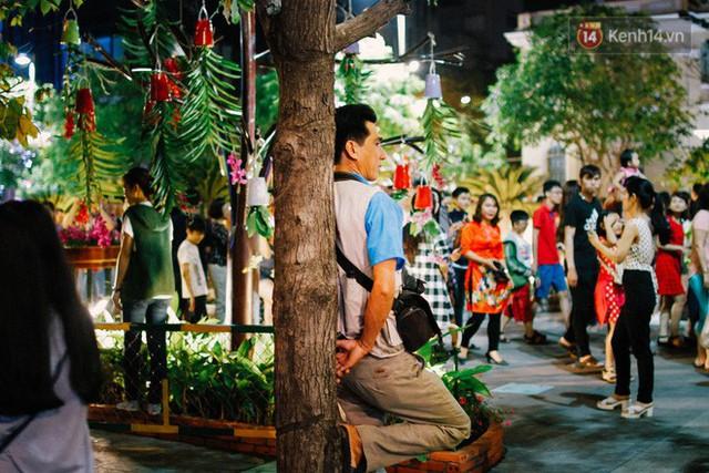 Cay mắt với những mẩu chuyện về những phận đời tha hương, ở lại Sài Gòn mưu sinh ngày Tết - Ảnh 3.