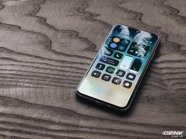 iPhone X: Bỏ lại quá khứ, tiến tới tương lai - Ảnh 3.
