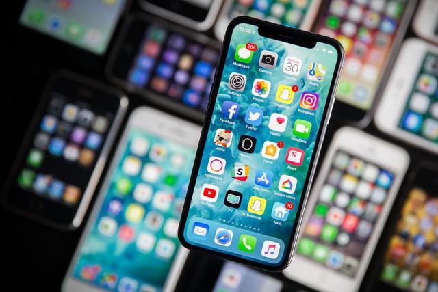 Vì sao Apple luôn bán ít iPhone hơn, công nghệ, tính năng đi sau người khác mà vẫn thành công? - Ảnh 2.