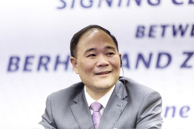 Tỷ phú Trung Quốc bỏ 9 tỷ USD mua cổ phần tập đoàn mẹ sở hữu Mercedes-Benz - Ảnh 1.