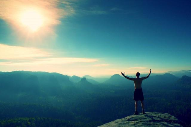 5 điều đáng tiếc nhất người thành đạt phải đánh đổi: Muốn thành công, bạn cũng phải tập hy sinh giống họ - Ảnh 1.
