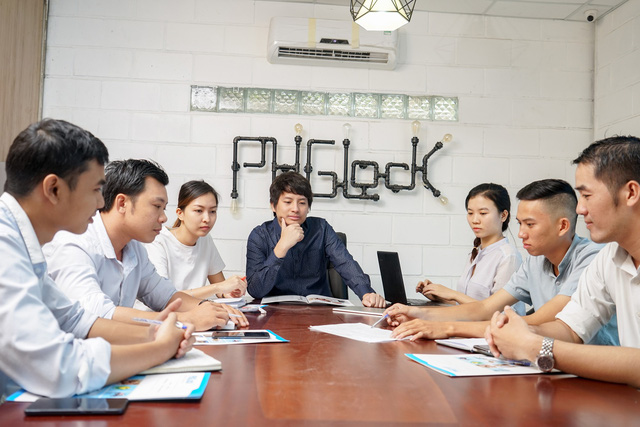 Triệu phú đô-la bỏ Úc về Việt Nam bán khóa cửa vân tay: Thu trăm tỷ mỗi năm, hàng nghìn chung cư, khách sạn trong nước đang sử dụng - Ảnh 2.