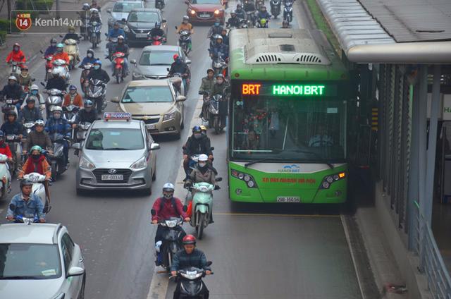 Đề xuất cho ô tô, xe máy và xe buýt thường đi vào làn buýt nhanh BRT: Chúng tôi chỉ đang nghiên cứu - Ảnh 2.