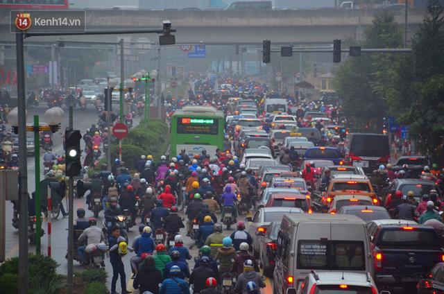 Đề xuất cho ô tô, xe máy và xe buýt thường đi vào làn buýt nhanh BRT: Chúng tôi chỉ đang nghiên cứu - Ảnh 3.