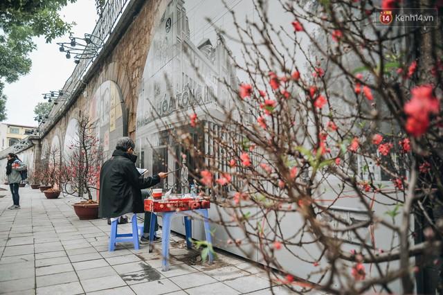 Phố bích họa Phùng Hưng hồi sinh, trở thành phố đi bộ kết nối với không gian chợ Đồng Xuân - Ảnh 14.