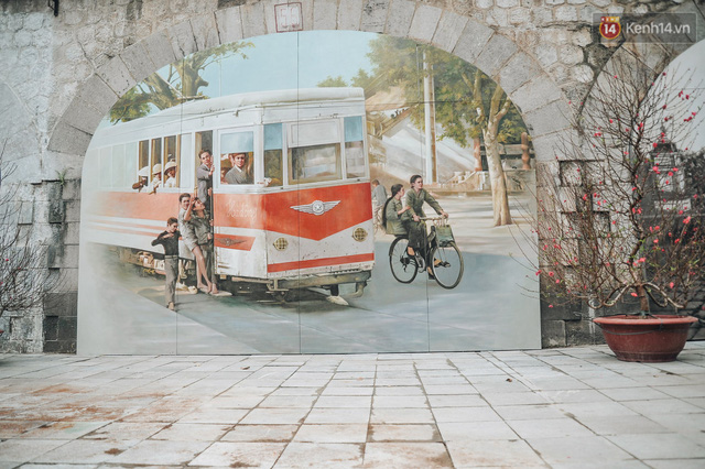 Phố bích họa Phùng Hưng hồi sinh, trở thành phố đi bộ kết nối với không gian chợ Đồng Xuân - Ảnh 4.